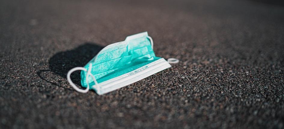 Après utilisation, jetez vos masques à la poubelle, c'est IMPORTANT